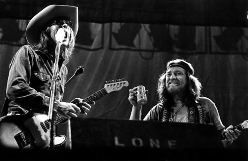 Willie joins Doug on stage